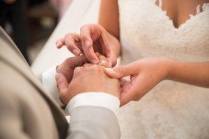 Eheringe Trauung Hochzeitsstories Hochzeitsfotogarf Essen