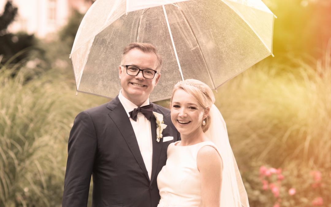 Hochzeitsfotos bei Regen: Was tun?