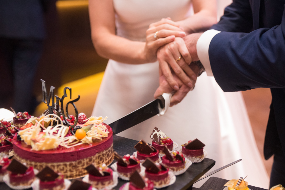 Hochzeitstorte Tagesdokumentation Hochzeitsfotograf Ruhrgebiet